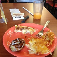 Photo taken at Golden Corral by LaKeisha H. on 8/17/2012