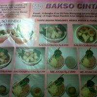 Photo taken at Bakso Cinta by Aftiah N. on 3/8/2012