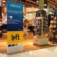 Photo taken at Loft by TAU [ต้อ] @ราชเทวี S. on 11/3/2011