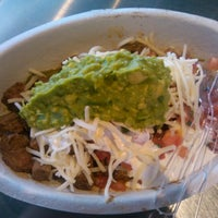 Photo taken at Chipotle Mexican Grill by LeLe on 8/2/2012