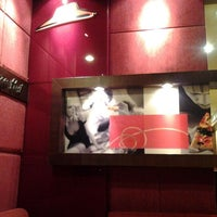 Photo taken at Pizza Hut by yhongky y. on 1/6/2012