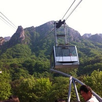 Photo taken at Sorak Cable Car by Bo-yeon P. on 5/18/2012