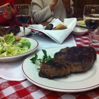 Photo taken at Gallaghers Steakhouse by Minhye L. on 1/1/2012