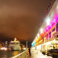 Photo taken at Harbour City by William L. on 11/9/2011
