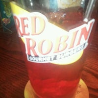 Photo taken at Red Robin Gourmet Burgers by Fred W. on 12/25/2011