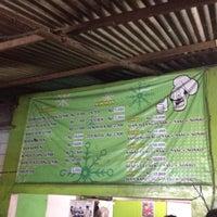 Photo taken at Ayam Goreng Tulang Lunak Bengawan by Indah L. on 7/19/2012