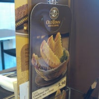 Photo taken at OldTown White Coffee by Mohammad N. on 7/30/2012