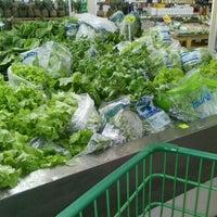 Photo taken at Ki-Frutas by Paula A. on 2/9/2012