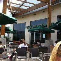 Photo taken at Starbucks by Eduardo T. on 10/16/2011