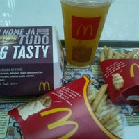 Photo taken at McDonald's by Fabiano G. on 1/4/2012
