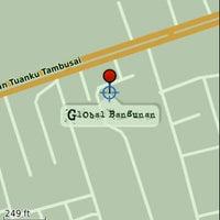 Photo taken at Global Bangunan by Ryan S. on 7/31/2011