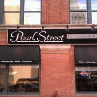 Photo taken at Pearl Street Pizzeria & Pub by Qatadah N. on 3/23/2012
