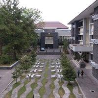 Photo taken at Fakultas Kedokteran by Muhammad H. on 9/7/2012