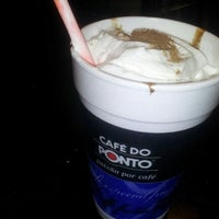 Photo taken at Café do Ponto by Anderson M. on 9/6/2012