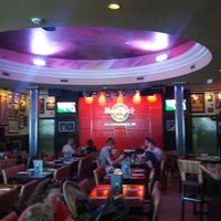 Photo taken at Hard Rock Cafe Niagara Falls USA by Rafael P. on 9/7/2012