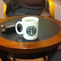 Photo taken at Starbucks Coffee by Naritomo K. on 4/26/2012