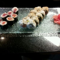 Photo taken at Bento Box Sushi Bar & Asian Kitchen by Natasha J. on 5/29/2012