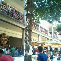 Photo taken at Mercado dos Lavradores by Pedro M. on 5/5/2012