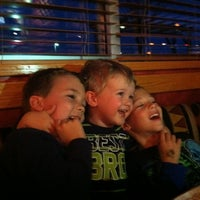 Photo taken at Red Robin Gourmet Burgers by Wendy S. on 4/6/2012