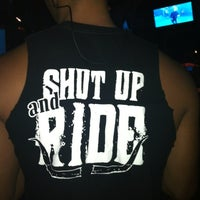 Photo taken at Saddle Ranch Chop House by Steff C. on 9/11/2012