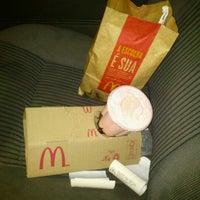 Photo taken at McDonald's by Mateus C. on 2/25/2012