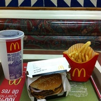 Photo taken at McDonald's by Noe D. on 8/22/2012