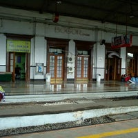 Photo taken at Stasiun Bogor by Eyie E. on 2/9/2012
