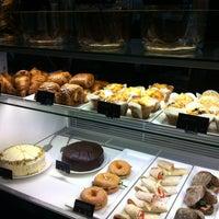 Photo taken at Starbucks by Albron on 5/11/2012