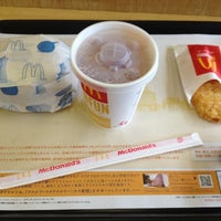 Photo taken at マクドナルド 北5西20店 by petitcurry on 8/14/2012