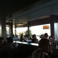 Photo taken at Globe Restaurant & Lounge Bar by Valentina O. on 5/23/2012