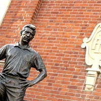 Photo taken at The Johnny Haynes Statue by Fulham Football Club on 2/13/2012