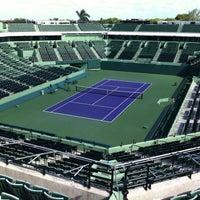Photo taken at Crandon Tennis Center by Iñigo S. on 8/5/2012
