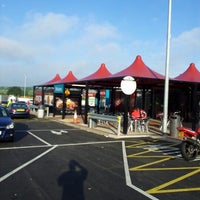 Photo taken at Toddington Northbound Motorway Services (Moto) by Steve W. on 8/5/2012