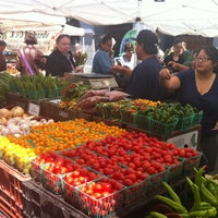 Photo taken at Ferry Plaza Farmers Market by Leslie H. on 8/7/2012