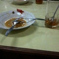 Photo taken at Rumah Makan SAMPURNA by Leyo L. on 7/12/2012