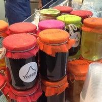 Photo taken at Yozen Pure Greek Frozen Yogurt by Anna A. on 4/9/2012