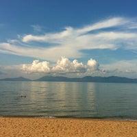 Photo taken at Maenamburi Resort by Kris P. on 6/27/2012