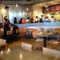 Photo taken at Chipotle Mexican Grill by Mouna on 9/7/2012