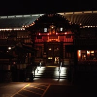 Photo taken at Yamashiro Hollywood by Ping T. on 3/12/2012