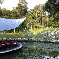 Photo taken at Singapore Botanic Gardens by Hirofumi N. on 8/5/2012