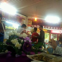 Photo taken at Alia Cafe Nasi Kandar & Arabic Food by Mujir S. on 4/16/2012