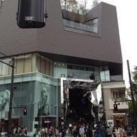 Photo taken at Tokyu Plaza Omotesando Harajuku by Kei O. on 4/19/2012
