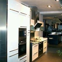 Photo taken at Luogo - Cocina & Baño by Jose Alberto A. on 3/27/2012