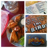 Photo taken at Pluckers Wing Bar by Marya S. on 9/5/2012