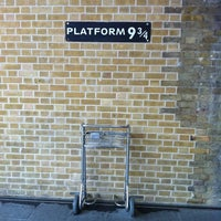 Photo taken at Platform 9¾ by  ℋumorous on 5/22/2012