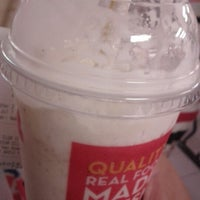 Photo taken at Wendy's by Rachelle B. on 7/8/2012