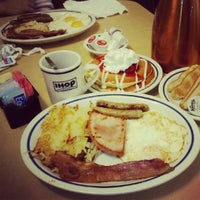 Photo taken at IHOP by Huy H. on 4/18/2012