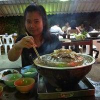 Photo taken at New Buddy กุ้งกระทะ เชิงทะเล by Mai M. on 8/23/2012