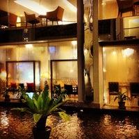 Photo taken at The City Hotel Sriracha, Chonburi by Jay B. on 7/30/2012