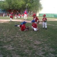 Foto tomada en Centro Deportivo Revolucion por diana r. el 3/2/2012